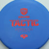 Discmania Tactic - blue - exo-hard - red - 174g - 174-8g - somewhat-puddle-top - pretty-stiff
